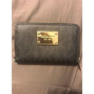 Michael Kors Wallet - Authentic
